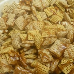 honey cinnamon snack mix