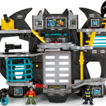 imaginext super friends batcave