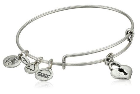 These Alex And Ani Bracelets Continue To Be In High Demand As Gifts This Season Not Only Are S Few Far Between But Even The Copy Cat Versions